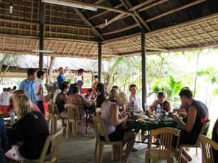 lunch_in_Cham_island